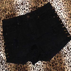 Forever 21 high rise black shorts spikes sz 25